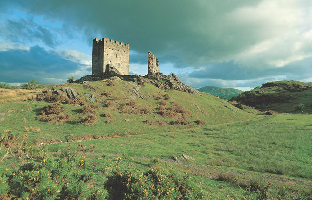 Dolwyddelan_Castle_Cadw.jpg